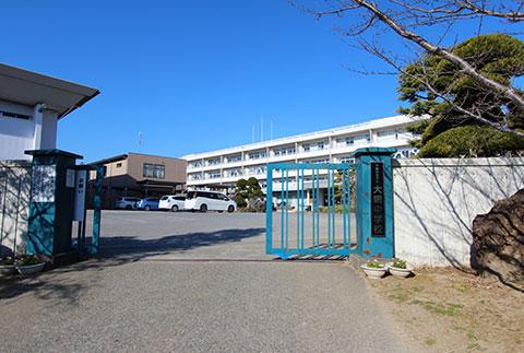 大網中学校約800m